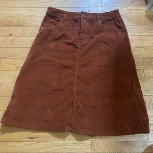 🛍3/$25 Joe Fresh corduroy skirt in size 2